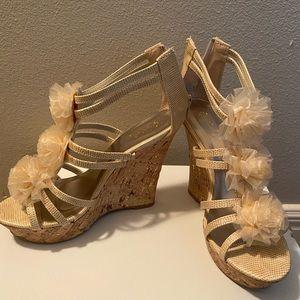 Gold/Tan platform sandals